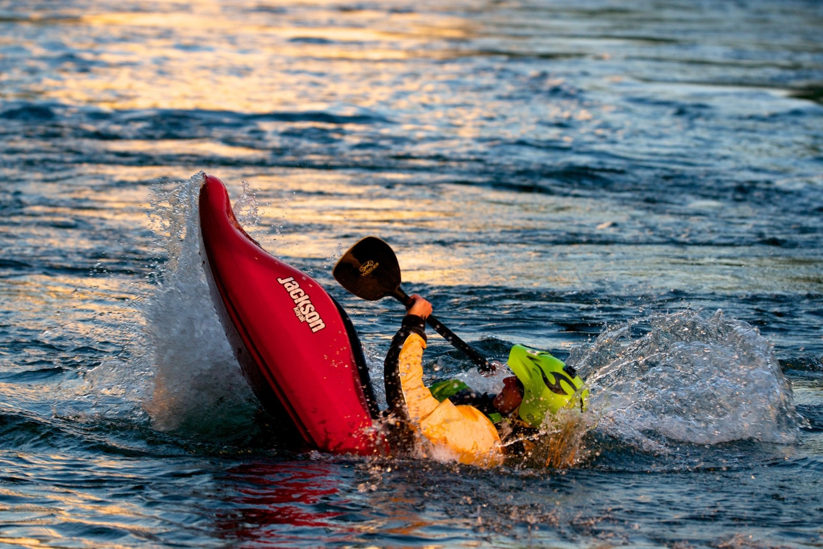 kayak-white-water-water-sports-courage-skill